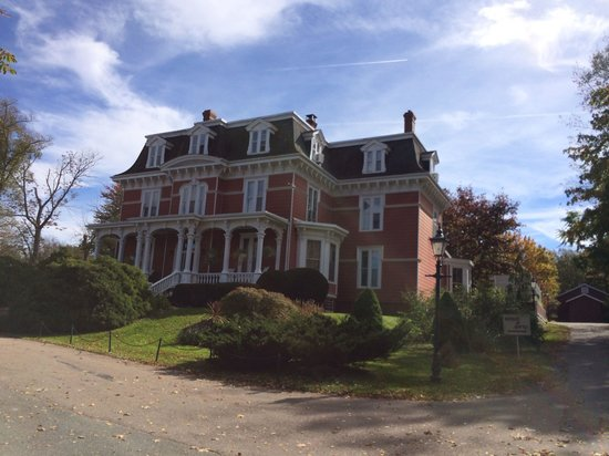 Blomidon Inn : Beautifully Restored