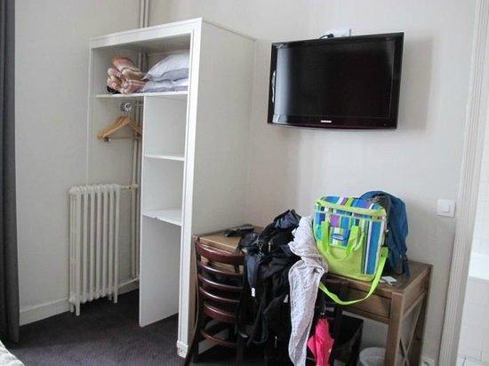 Hotel des Batignolles, camera da letto