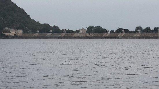 Jaisamand Lake: Very huge manmade lake of Asia