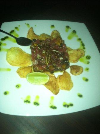Tantalo Hotel / Kitchen / Roofbar: Tuna tartar