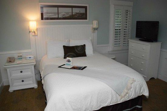 Vineyard Square Hotel & Suites: Vineyard Square - Bedroom