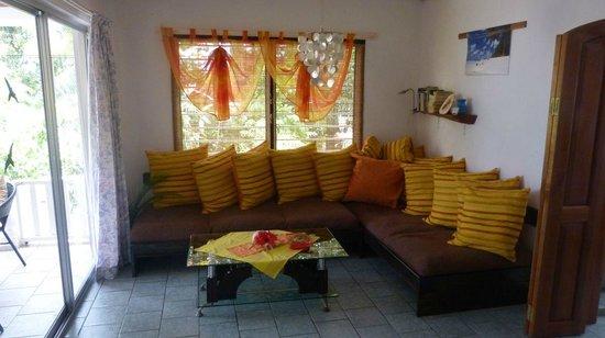 Beau Bamboo Guesthouse: gemütliches Wohnzimmer