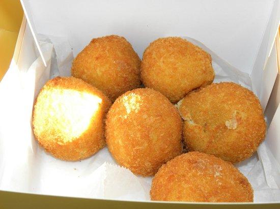 Porto's Bakery & Cafe: Potato balls