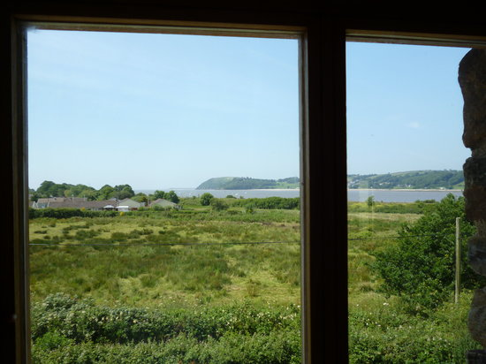 Ferryside Farm Bed and Breakfast: View of the Sea