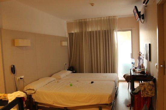 FERGUS Espanya: room view