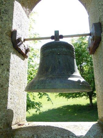 Pinetum Gardens: The ornamental Bell