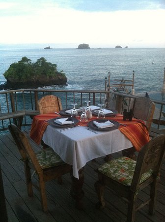 Hacienda del Mar: Now that is a table with a view!!!