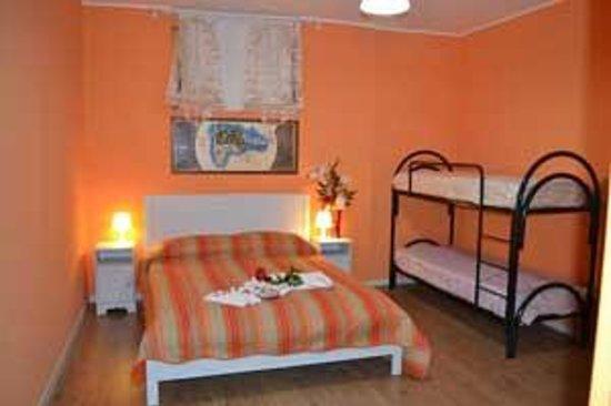 Camera da letto Arancio - Foto di B&B Le Camere dell\'Arcobaleno ...