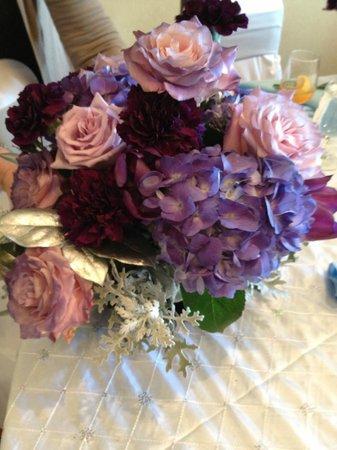 Hilton Garden Inn Nashville/Vanderbilt: Floral Arrangement