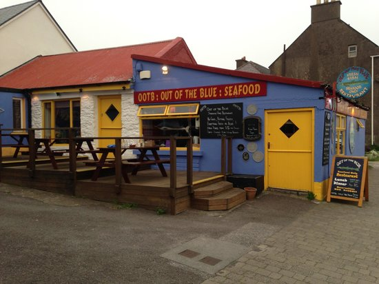 Out of the Blue Seafood: ignore the funky outside