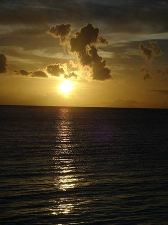 Blue Waters Antigua : Magnificient sunsets