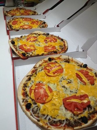 pizza burger picture of le kiosque a pizzas montlouis sur loire montlouis sur loire. Black Bedroom Furniture Sets. Home Design Ideas