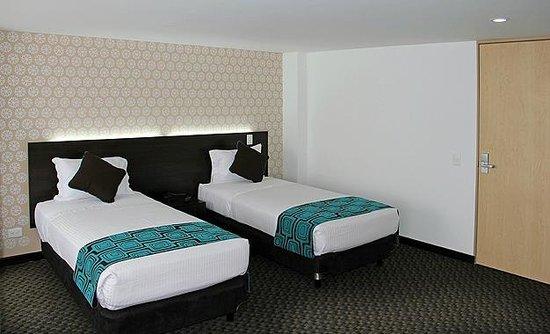 Hotel Confort 80 Sede Castellana: Habitacion