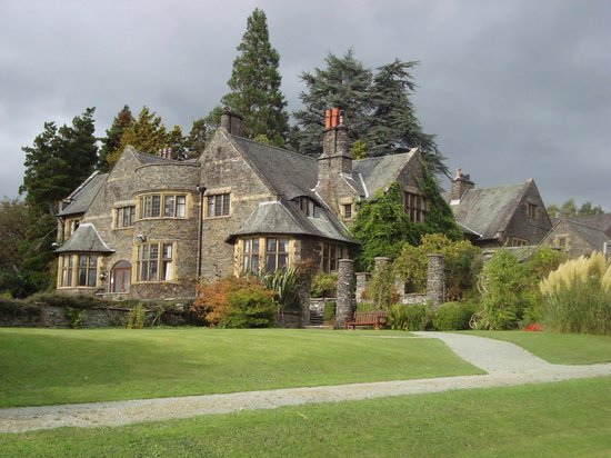 Cragwood Country House Hotel: The Arts and Crafts period architecture is simply stunning!