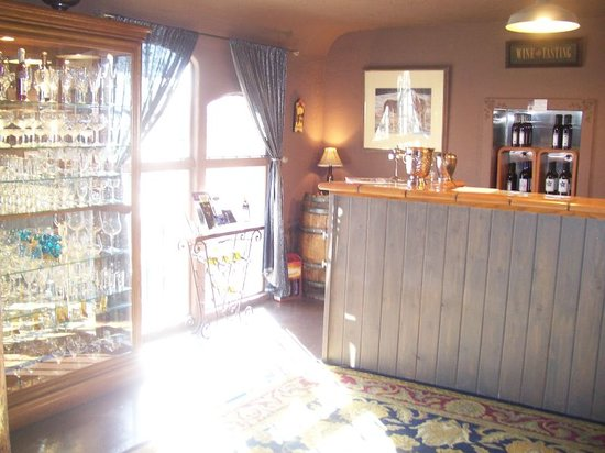 Graystone Winery: Tasting Room