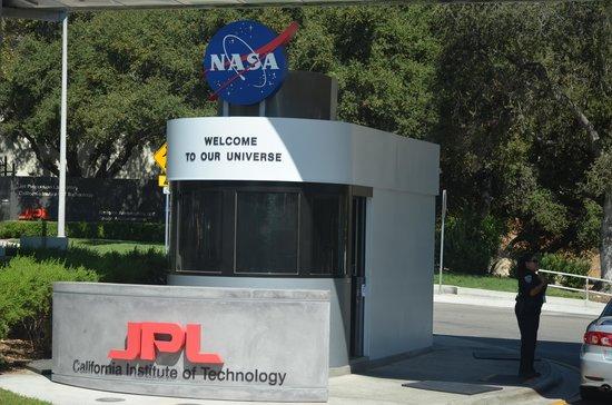 Jet Propulsion Laboratory : Entering a Secure Area