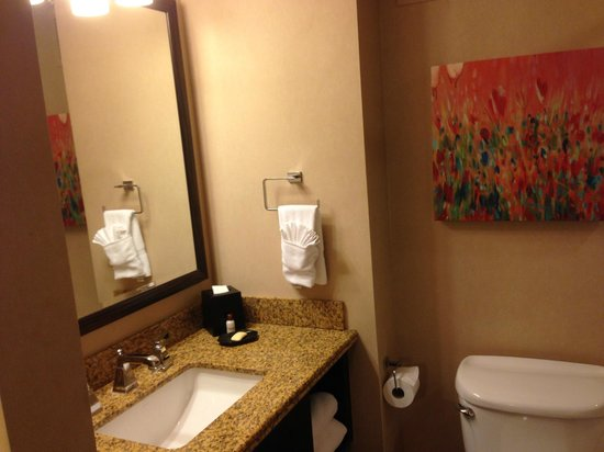 Sheraton Albuquerque Uptown: Pretty sure the art is not supposed to have those big drips