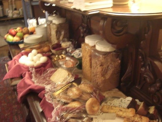 A Cambridge House B & B Inn: colazione