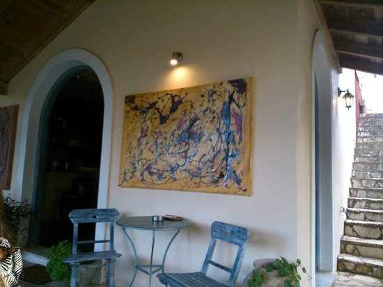 Vinieri Bistro: Owner is also a painter -- there are may paintings in bistro
