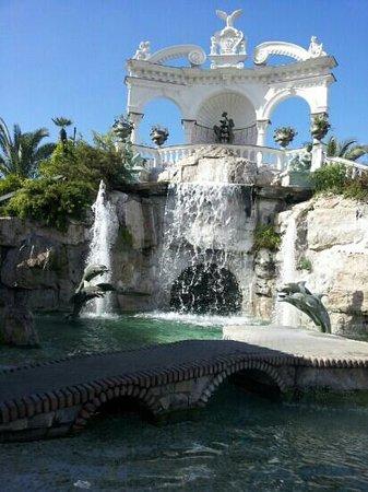 Grand Hotel La Sonrisa: cascata 2