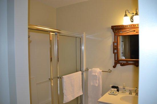 Union Gables Mansion Inn : Baño