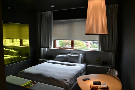 habitaci n picture of hotel zero 1 montreal tripadvisor. Black Bedroom Furniture Sets. Home Design Ideas
