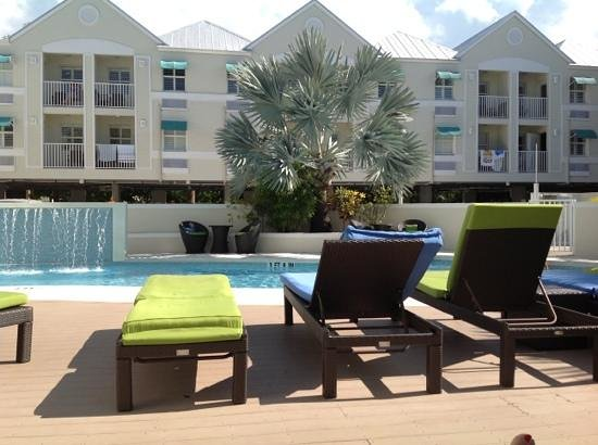Silver Palms Inn: Poolside