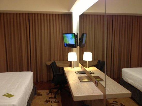 Hilton Garden Inn Rome Claridge : Escritorio