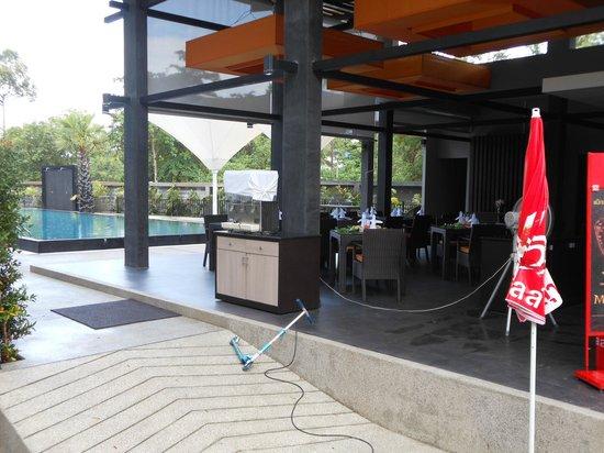 Chaweng Noi Pool Villa: Ресторан
