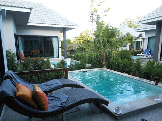 Chaweng Noi Pool Villa: Бассейн у виллы