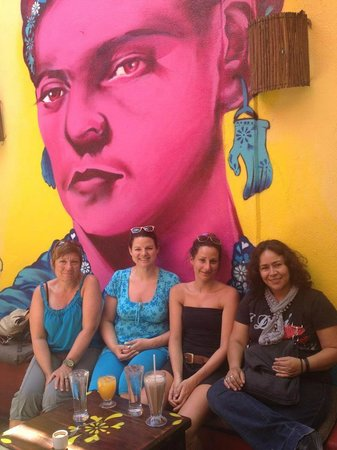 Frida cafe bar: clientes y amigos