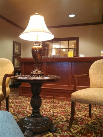 Quality Inn And Suites: Hotel lobby