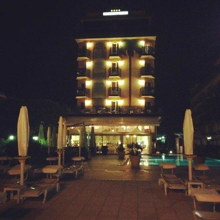 Park Hotel Brasilia: Hotel Evening