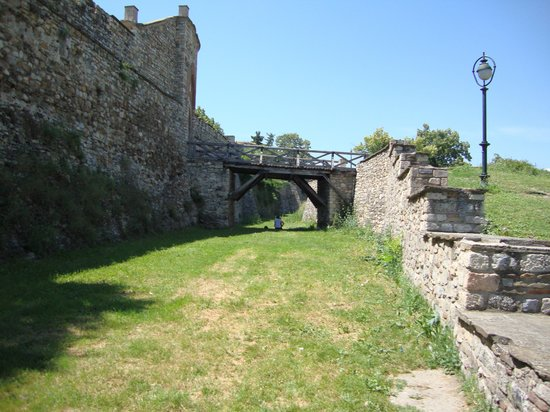 Skopje Fortress Kale: The great walls around the Fortress