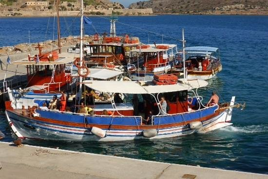 Latania : Boat trips from Plaka to Spinalonga