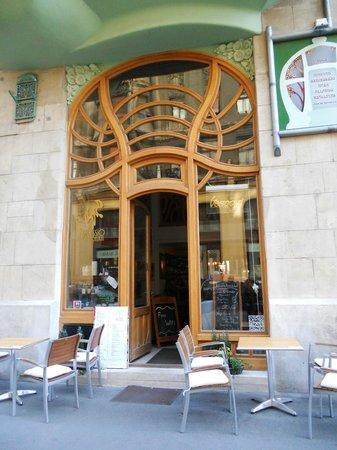 Art Nouveau Cafe