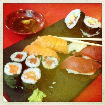 Ishin Tey : Super sushi!