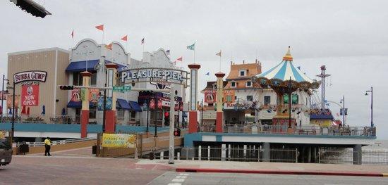 Galveston Island Historic Pleasure Pier: The Pleasure Pier