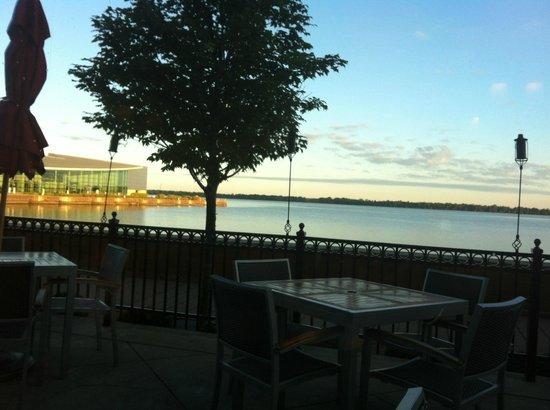 Sheraton Erie Bayfront Hotel: Veiw from Sheraton Erie restaurant