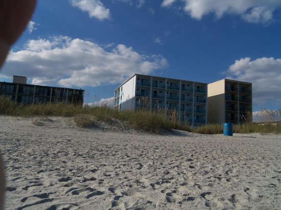 Southern Breeze Motel: Southern Breeze from the beach