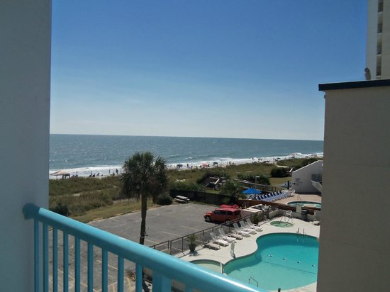 Southern Breeze Motel: Side room view from 402