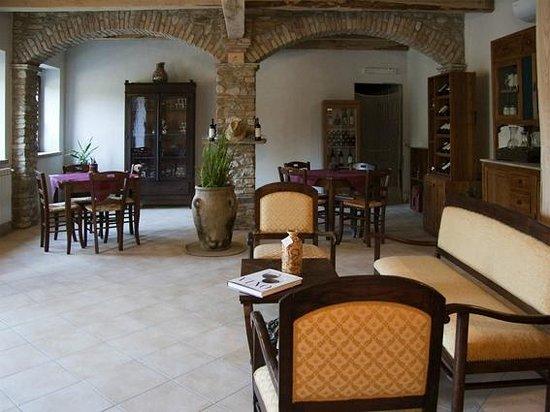 Agriturismo Feudo Gagliardi : sala relax , convegni