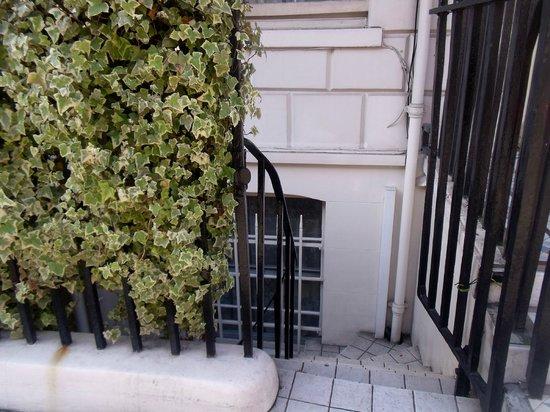 Lincoln House Hotel: ingresso scale seminterrato