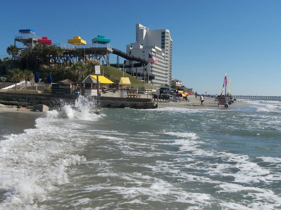 Southern Breeze Motel: Easy walk up town by the beach