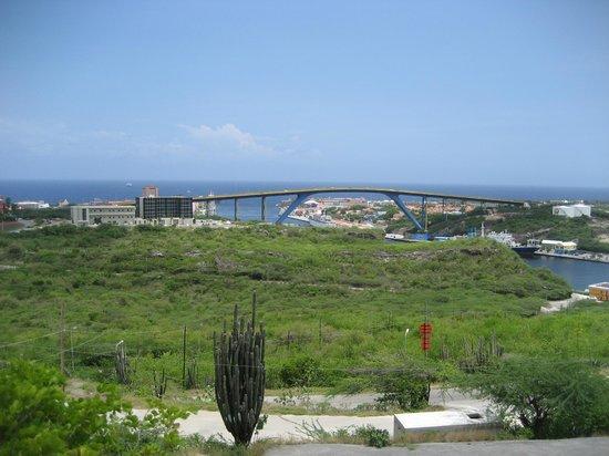 Fort Nassau: view over willemstad with the Juliana bridge