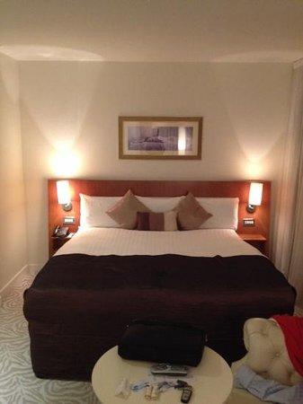 Harlequin Hotel Castlebar: bedroom