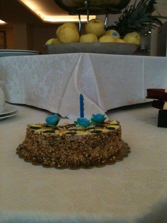 Best Western Gorizia Palace Hotel: Torta di compleanno dallo staff del Palace Hotel a mio padre