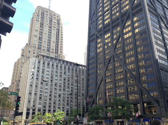 Great location picture of the westin michigan avenue for Nice hotels downtown chicago