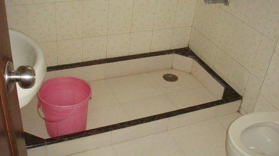 Hotel Sapphire: Bathroom was clean