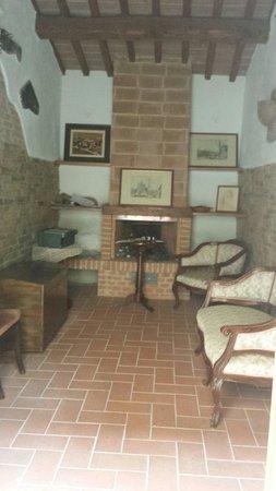 Casa Cecchi B&B: Antiguo horno convertido en salon.